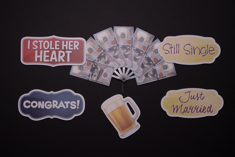 Wedding Sign Package Of Five Signs and A Beer Mug, They are: I Stole Her Heart, $500 Dollars, Still Single, Congrats!, Beer Mug, Just Married